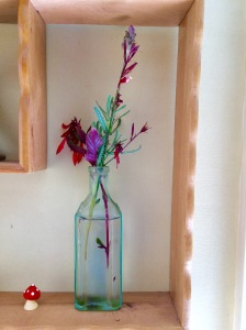 Native Australian flowers in a tiny glass bottle #onlinedating #over50