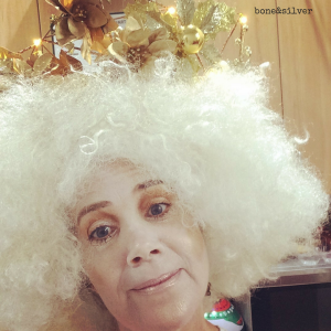 Performing as a silent Golden Angel, trying to remind everyone to be Kind, Present, and full of Empathy #over50 #theatreperformer #empathy #kindness @boneAndsilver @brenébrown